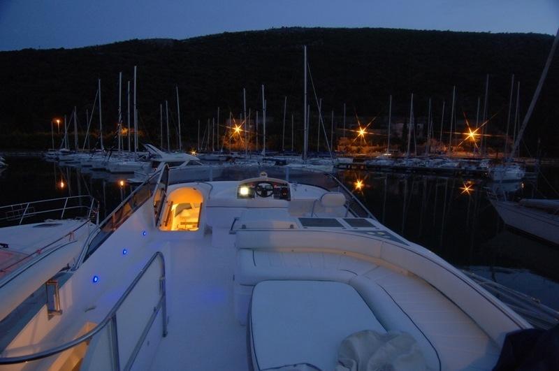 Boat rental Dubrovnik Fairline Squadron55