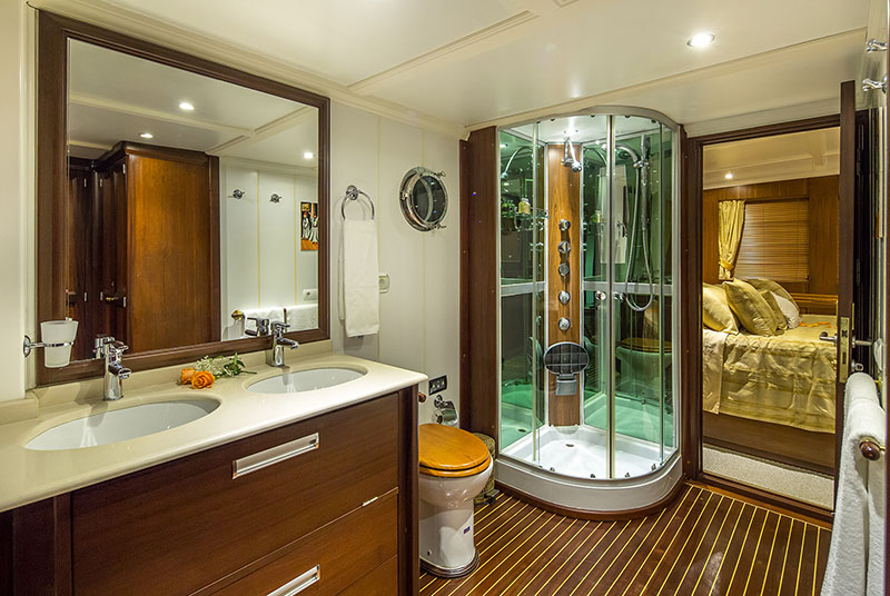 Dona 39 Boat Rental Dubrovnik