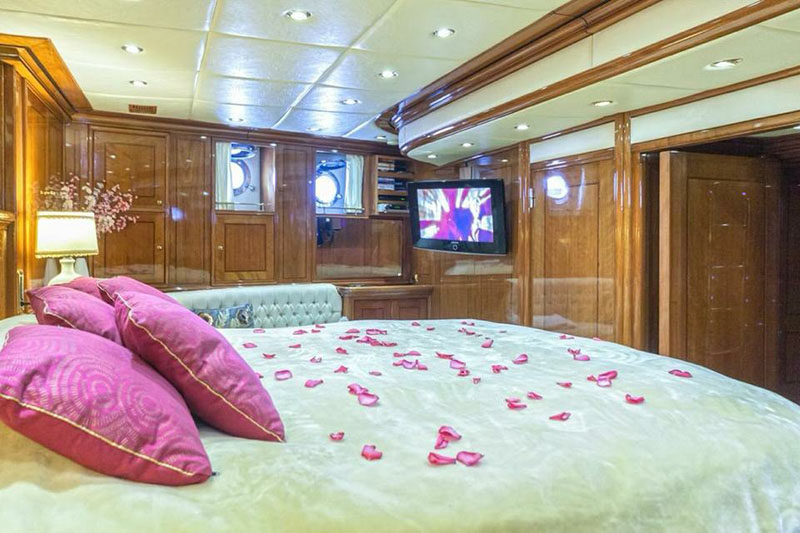 rosa 24 boat rental dubrovnik